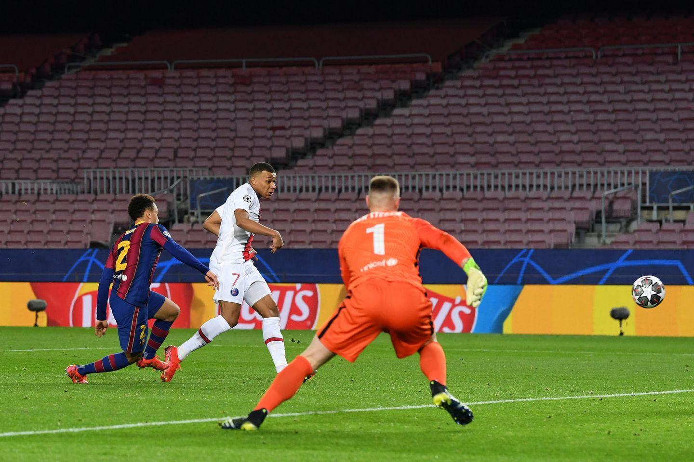 Goal! Barcelona 1-2 PSG