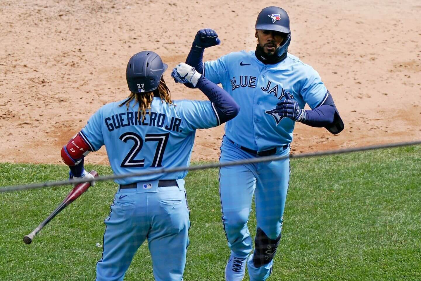 Blue Jays beat Yankees in first extra-inning game of the season