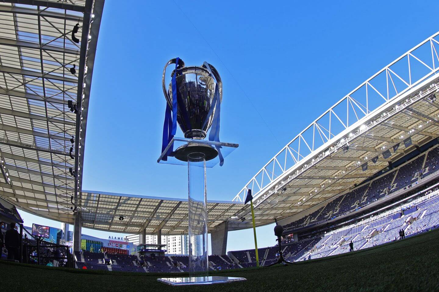 Champions League draw live updates: Manchester United, Liverpool, Real Madrid and PSG brackets for group stage latest